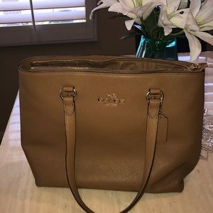 Coach tan leather purse NWT!